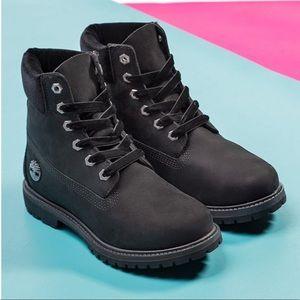 "Timberland 6"" Premium Velvet Collar Boots 10"